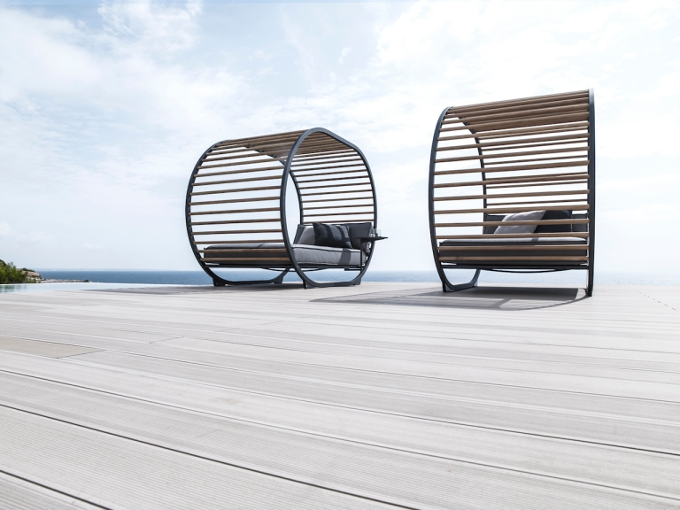 Cradle Daybed lifestyle by Gloster at Marlanteak