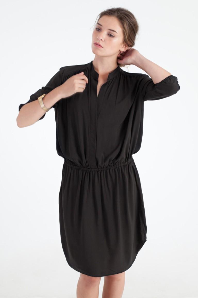 Sitting-Pretty-Clothing-AW15-Dress-Glow-Black-800x1201