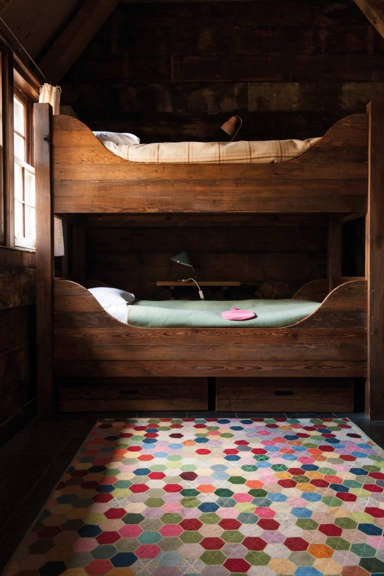suzanne-sharp-blanket-roomset_large_1
