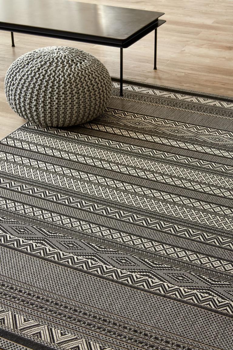 InsideOut160x230cm_LinearLove_Grey
