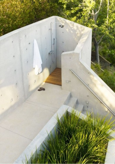 outdoor-shower-rockefeller-partners-600x857