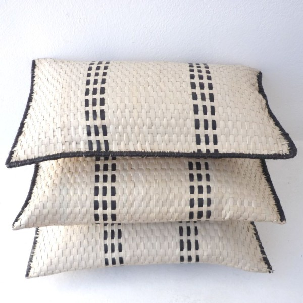 UMPH06-Palm-woven-cushion-600x600