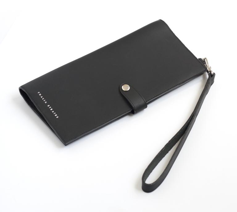 black-torie-travel-wallet-r1990