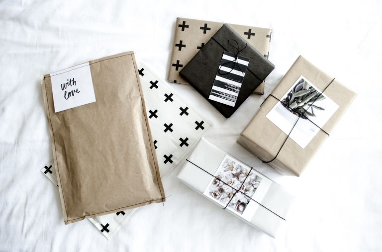 mono-gift-wrapping-diy-1