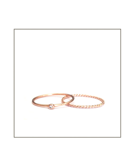 rose-gold-diamond-spec-twist-ring-set-570x706